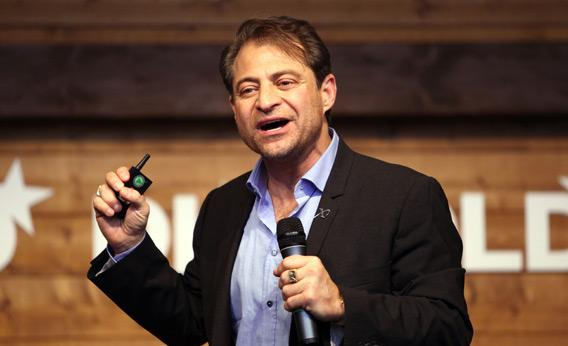120206_FUTURE_Peter_Diamandis.jpg.CROP.rectangle3-large